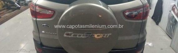 Capa de estepe na cor com cadeado, Estribo Plataforma Aluminio Preto, Engate reboque com elétrica
